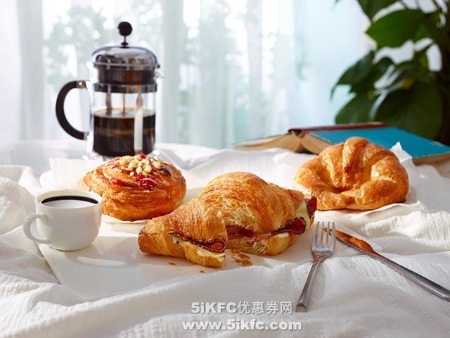 星巴克早餐星意优惠,购任意手工调制饮料,享指定食品7折优惠